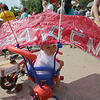 乌法举行婴儿车巡游活动