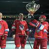 普京在索契参加冰球赛