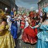 莫斯科举行狂欢游行活动