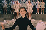 The Carnival Night membawa ketenaran ke pada aktris Lyudmila Gurchenko. Sumber: Kinopoisk.ru.