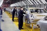 俄罗斯切尔克斯克Derways汽车厂已经启动新马自动3全线生产。图中:准备给车体涂漆。摄影:PhotoXPres