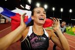 8月30日,叶莲娜•伊辛巴耶娃在瑞士苏黎世的黄金联赛上再次刷新了女子撑杆跳的世界纪录,跳出了5.06米的好成绩。摄影:Itar-Tass