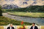 6月初,俄罗斯总统弗拉基米尔·普京对白俄罗斯、德国、法国、乌兹别克斯坦、中国和哈萨克斯坦进行国事访问。其中,普京总统访华时间最长(图中:他与中国国家副主席习近平)。摄影:路透社 (Reuters) / VostockPhoto