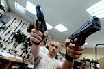 俄罗斯国家议会上院联邦委员会提议允许公民拥有和使用枪支。摄影:生意人报