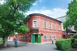 """塔甘罗格市旅游景点之一:""""契诃夫铺"""" 博物馆。建成于 19世纪的40年代的""""契诃夫铺""""位于塔甘罗格市一座古老的红砖建筑内。门口悬挂着一块招牌,上写:茶、咖啡及其他殖民地产品。""""图片来源:Lori/LegionMedia"""