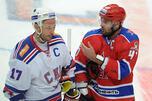 俄罗斯国家冰球联盟球员伊利亚•卡瓦利丘克(Ilya Kovalchuk)(左)和亚历山大•拉杜罗夫(Alexander Radulov)(右)也加入大陆冰球联盟。图片来源:塔斯社