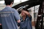 中国公司很难在俄罗斯组织生产,而整车进口又不划算,因为高昂关税和报废税使他们失去了最主要的优势 —— 低价竞争。图片来源:AP