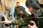 """俄罗斯国防部长谢尔盖·绍伊古(Sergei Shoigu)在同莫斯科鲍曼国立技术大学师生见面时说,俄国防部计划组建""""科学连"""",连队中的大学生将承担国防部委托完成的科技任务。图片来源:俄新社"""