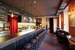 图中:伽弗洛什酒吧(Gavroche)。来源:Press Photo