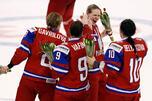 刚刚夺得世锦赛铜牌的俄罗斯女子冰球队欲在索契冬奥会上捍卫俄罗斯冰球的荣誉并可能走得更远。图片来源:Reuters