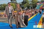 """俄罗斯演员马克西姆·韦陀尔甘与妻子森雅·索布恰克出席索契""""Kinotavr""""电影节。图片来源:俄新社"""