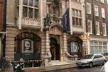 苏富比拍卖行从2000年代起不仅在伦敦,而且还在纽约举行拍卖,以满足市场对俄罗斯古董的需求。图片来源:Flickr/ amanda farah