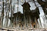 酷似鬼屋的旧日豪宅。图片来源: andrew_qzmn