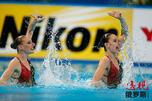 斯维特兰娜·罗马申娜和娜塔莉亚·伊先科。图片来源:EPA