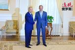 2015年7月15日,俄罗斯外长谢尔盖•拉夫罗夫和乌兹别克斯坦总统伊斯拉姆·卡里莫夫在塔什干会谈中。图片来源:俄罗斯外交部