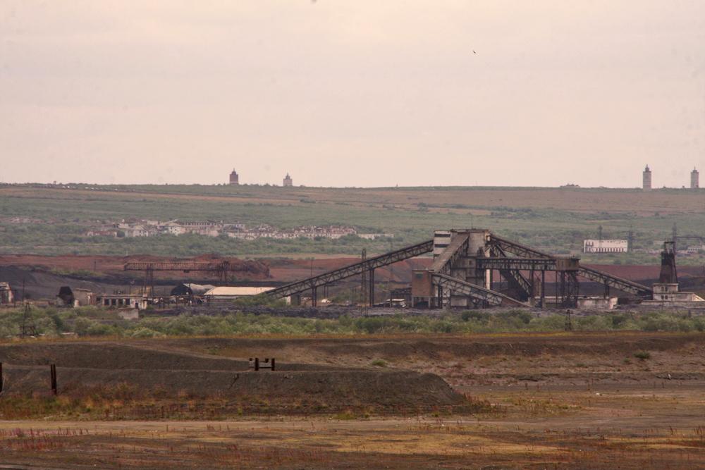 Vorkuta sta gradualmente estendendo i suoi confini. Con l'espansione scompaiono i campi incolti ai margini della città, verso le rovine di Yurshor