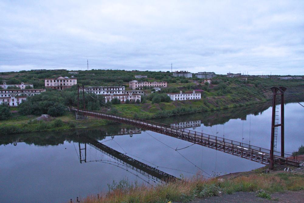 Vorkuta ha un clima artico, con brevi estati fresche accompagnate da inverni molto freddi e secchi. La temperatura media di febbraio è di circa -20°C, a luglio è di circa +13°C