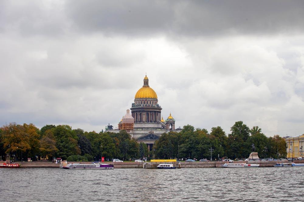 If you are interested in cultural and historical St Petersburg, then September is a perfect time to visit. Although the White Nights festivals are over, the main theatre, opera and ballet programmes are beginning after the summer break.<br>Saint Isaac's Cathedral