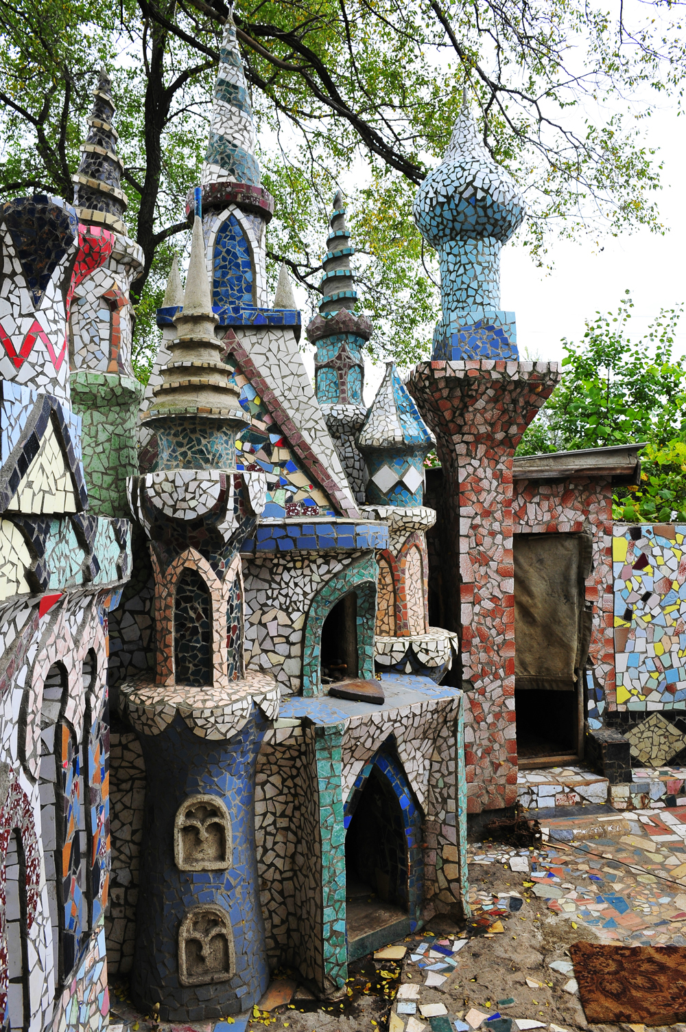 Builders in retirement Alexey Krivov and his wife Valentina Krivova from Artem towm (Primorsky Krai, Russia) put up their own castle, using various construction debris.