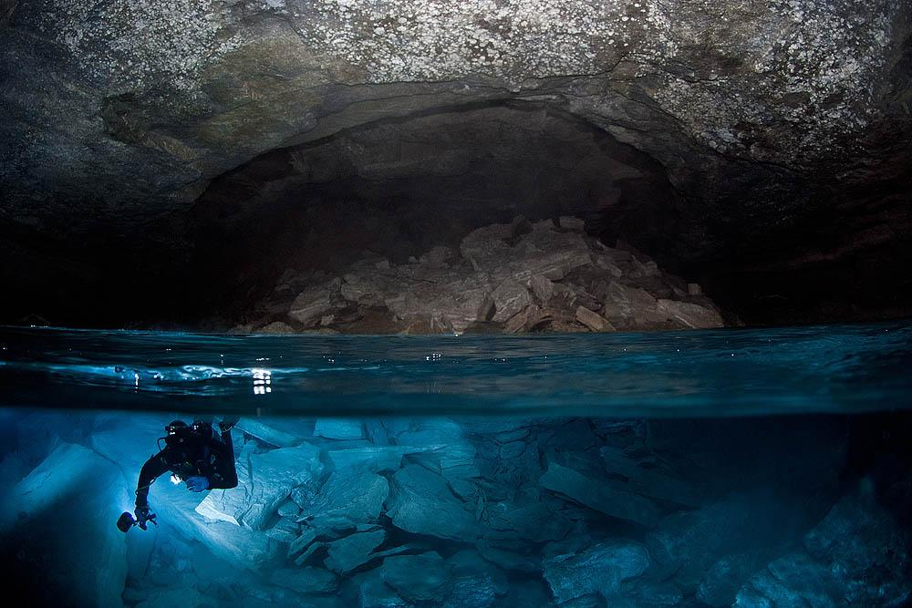 Diving in the icy waters of the flooded section of Orda Cave poses a problem in itself. The temperature can be -20°C (-4°F).