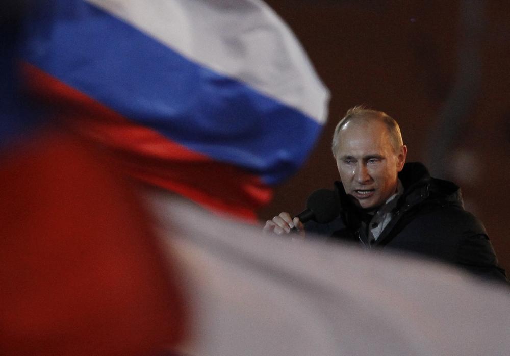 2012年3月4日//大統領選挙//3月にロシア大統領選が実施 選挙には、共産党党首のゲンナディー・ジュガーノフ氏、LDPRのウラジーミル・ジリノフスキー氏、「公正ロシア」党のセルゲイ・ミロノフ氏、無所属の実業家ミハイル・プロホロフ氏とウラジーミル・プーチン氏の5人が出馬した。前回の大統領任期後の4年間を首相として務めたウラジーミル・プーチン氏がクレムリンに返り咲いたことには何の驚きもない。
