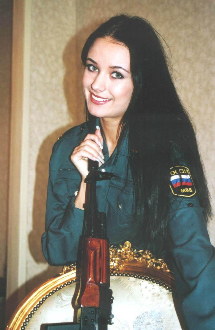 Oxana Fédorova nació el 17 de diciembre de 1977 en Pskov.