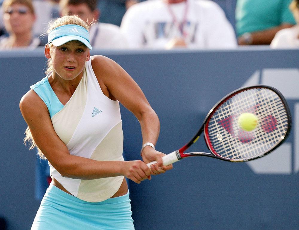 En 1998 Causa sensación con sus resultados: derrota a Martina Hingis, Lindsay Davenport, y Steffi Graf y entra en el top-20 de las mejores tenistas del mundo. En dobles con Martina Hingis gana el Australian Open, así como el torneo final de la temporada de la WTA y llegan al primer puesto en el ránking de dobles.