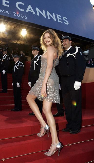 En 2007, après la naissance de son fils Viktor, elle décide de renoncer partiellement à sa carrière de mannequin pour se consacrer à sa famille et aux œuvres de charité.