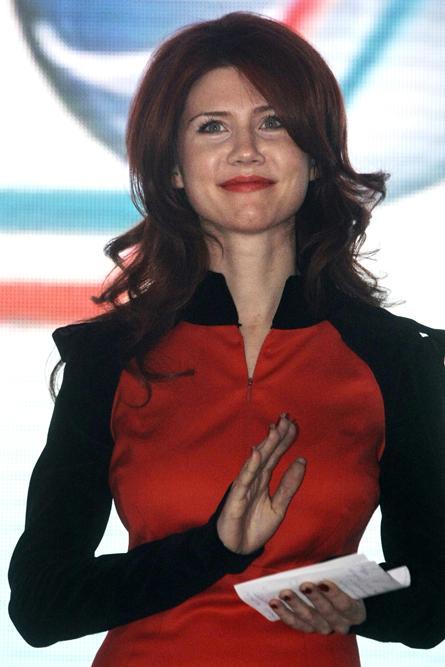Во 2005 година Ана Чепман се разведе од својот сопруг и се пресели во друг стан во Лондон. Во 2006 година Ана и Алекс го завршија својот брак.