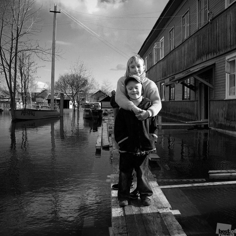 """All the photos in this gallery are from the """"Events and every-day life"""" section of the contest. Other categories are: """"Style"""", """"People"""". """"Nature"""" and """"Architecture."""" // Floods in Kotlas, Arkhangelsk Region"""