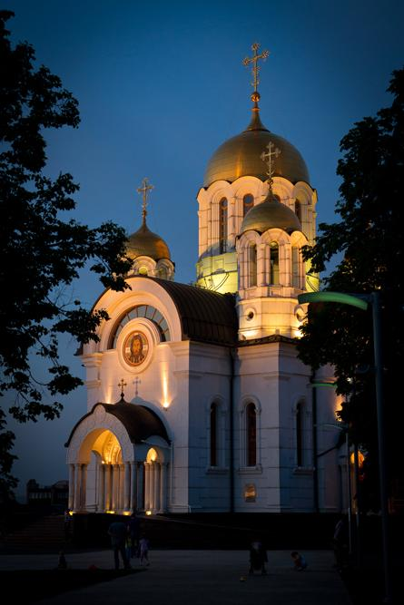 At the north-eastern corner of Square of Glory stands the small but attractive Cathedral of St George. The church was built in 2001 in honor of the older and larger incarnation that was destroyed during the Communist era.