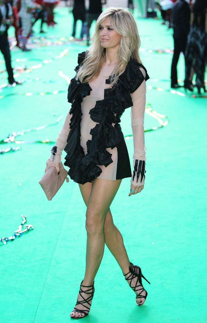 En 2009, Vera a également reçu le prix World Fashion Awards 2009.