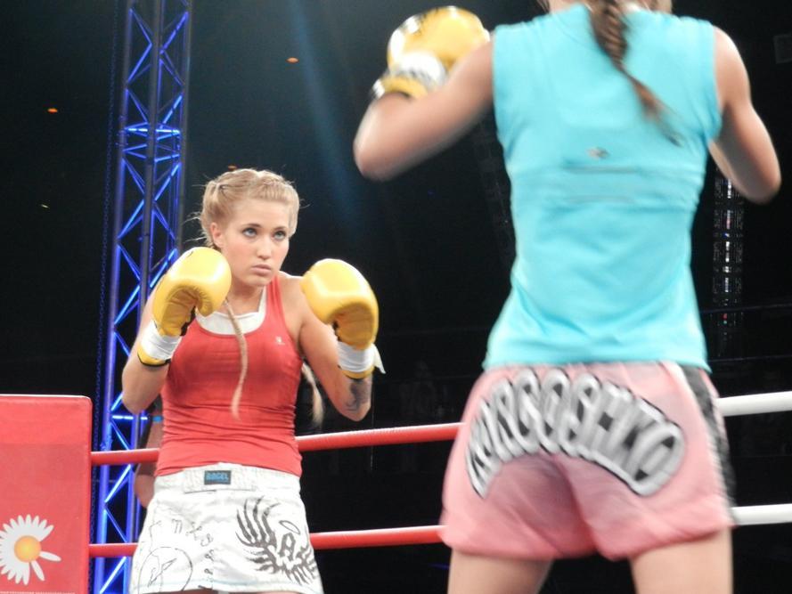Anastasia Yankova est candidate ès maître de sports en boxe thaï et championne de Russie dans cette discipline.