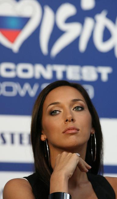 """عام 2000 مثلت ألسو روسيا في مسابقة """"يوروفيجن"""" للغناء، حيث بأعنيتها """"سولو""""احتلت المركز الثاني."""