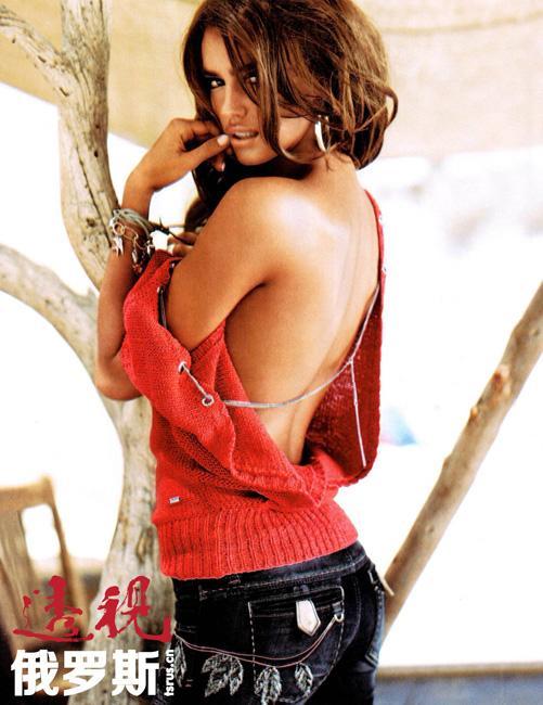 从2005年起,她先是在欧洲,后来又在美国做服装模特。