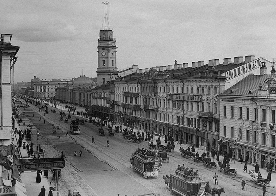 Before that, during the First World War, the city was called Petrograd, because the old name sounded like German. In 1991, when the Soviet Union came to an end, the city got its first name, Saint Petersburg.