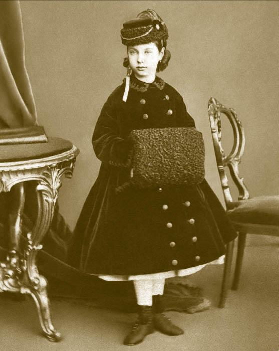 Throughout the entire decade, children's suits were sewn in the chequered style of Scottish tartan. Also popular were taffeta, organdy, tarlatan, and barège. Preference was given to white. Young girls, in imitation of women's fashion, still wore small crinolines.