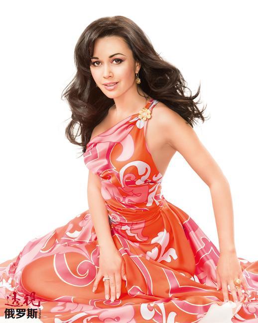 2008年9月22日,娜斯佳嫁给了花样滑冰运动员彼得•切尔内绍夫(Pyotr Chernyshyov)。