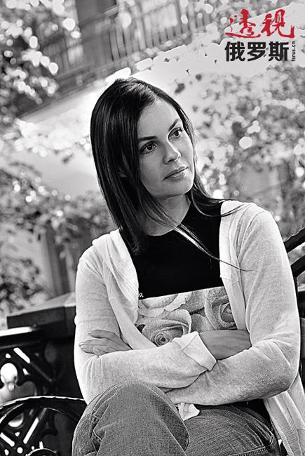 """在俄罗斯的媒体八卦中多次透露过叶卡捷琳娜的真实年龄。她看上去比自己的实际年龄年轻很多。她认为自己保持外表美丽和年轻的秘诀是良好的睡眠、多喝干净的水和经常性地从事运动。正如她不止一次地表示,""""从事运动在我的生活中仅次于家庭和电视工作,位居第三位""""。"""