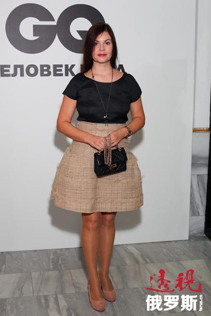 1991年,叶卡捷琳娜通过选拔进入第一频道,开始在播音部工作,担任早间节目主持人。从1995年起,她担任电视资讯栏目的编辑并主持《新闻》节目。