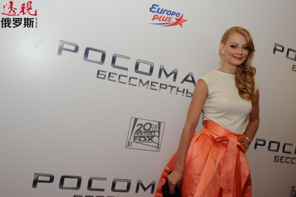 个人生活方面,斯韦特兰娜已结过一次婚。丈夫是她在休金戏剧学校的同学、演员弗拉基米尔·亚格雷奇(Vladimir Yaglych)。二人于2004年结婚,2010年离婚。