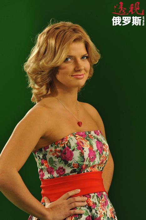 阿纳斯塔西娅•扎多罗日纳娅(Anastasiya Zhadorozhnaya)1985年8月30日生于沃洛格达州维捷格拉市的一个军人家庭。
