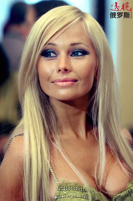 科里科娃还参加了俄罗斯电视台举办的许多流行电视节目。