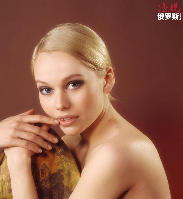 广受俄罗斯观众欢迎的电视连续剧《可怜的娜斯佳》的上演使叶莲娜·科里科娃获得了广泛的知名度。