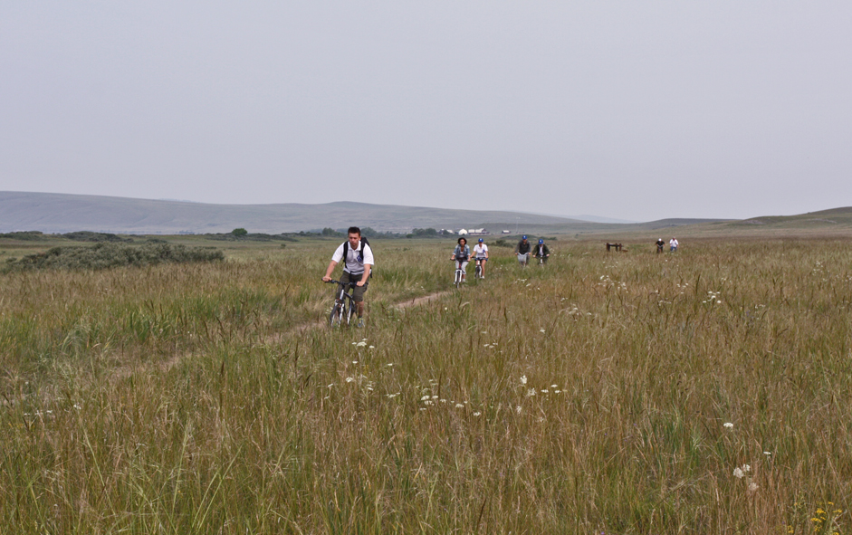 Khakassia Reserve is actively developing eco-tourism. At Lake Itkul, visitors can do volunteer work or rent a bicycle and ride along the ornithological routes or flora trails.