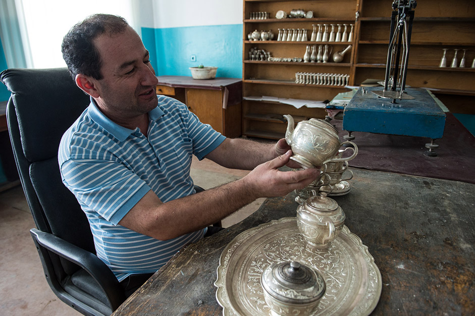 It is more often the case that a craftsman will specialise in a specific type of work. For example, silver needs to be smelted and leaves cast for further processing. Only a few people in the village are able to do this kind of work and the other craftsmen approach them.