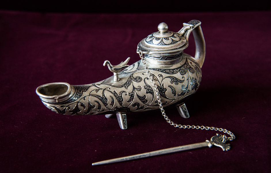 Some of them were in series production, while just a few examples of other objects were produced for a specific order. As you see the examples, you can only marvel at the craftsmanship of these people working with silver and wood.