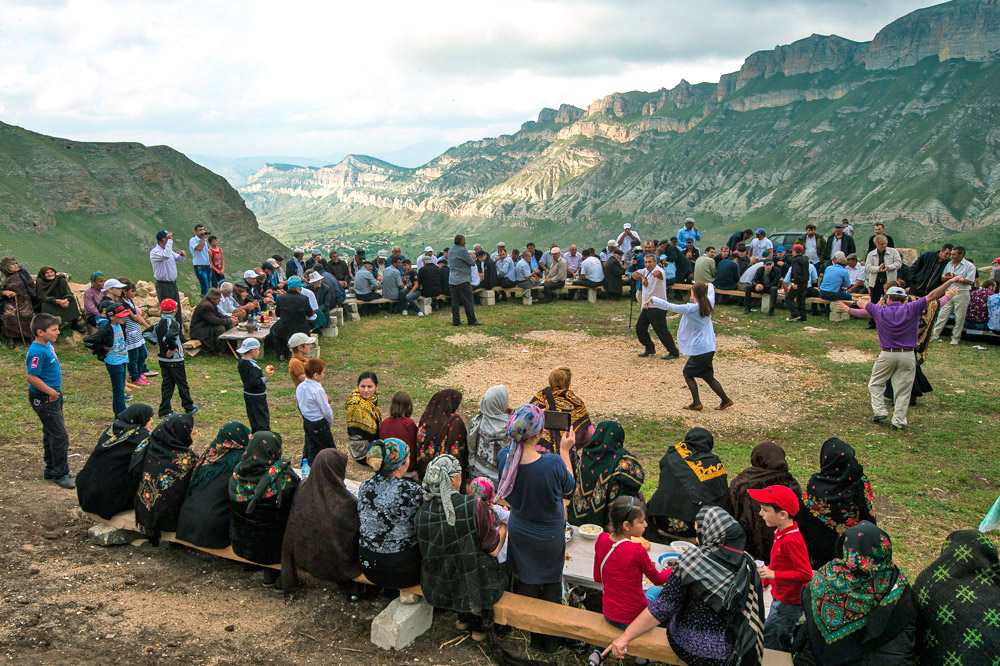 People from all over Dagestan come to witness it. Such an unplanned and unexpected event can become the main highlight of any tourist's trip.
