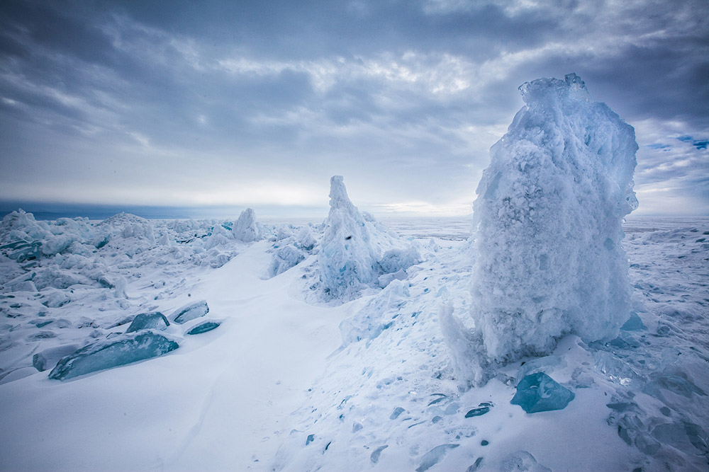 On the way, you might get to see the Torosy — immense ice hummocks up to 10-20 meters high, formed as a result of compression of the ice cover.