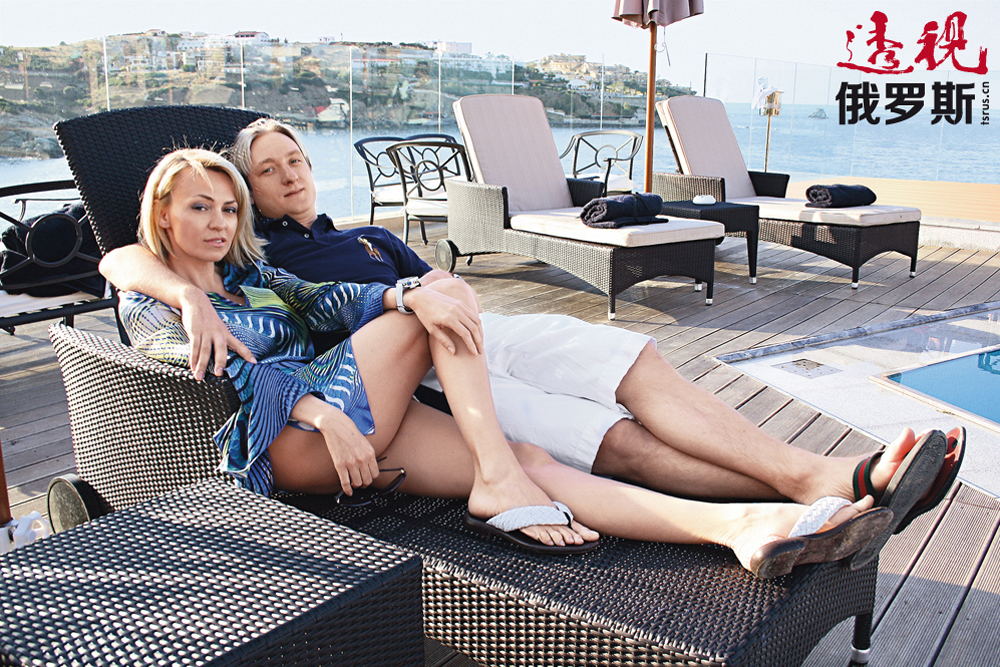 2009年,亚娜与俄罗斯著名花样滑冰运动员叶甫根尼•普柳先科结婚。2013年,他们有了儿子亚历山大。